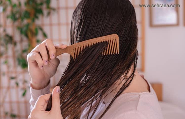شانه کردن موهای خیس